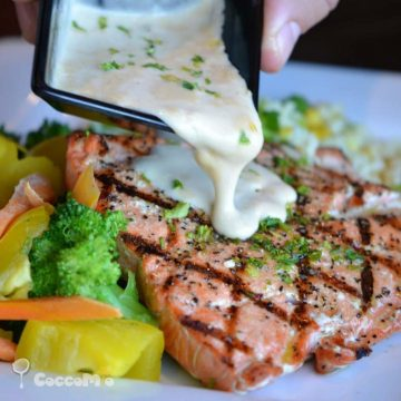 CoccoMio Baked Salmon with Garlic Sauce Recipe